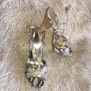 Charles David Sexy Snakeskin Sandals- Sz 7 1/2 B